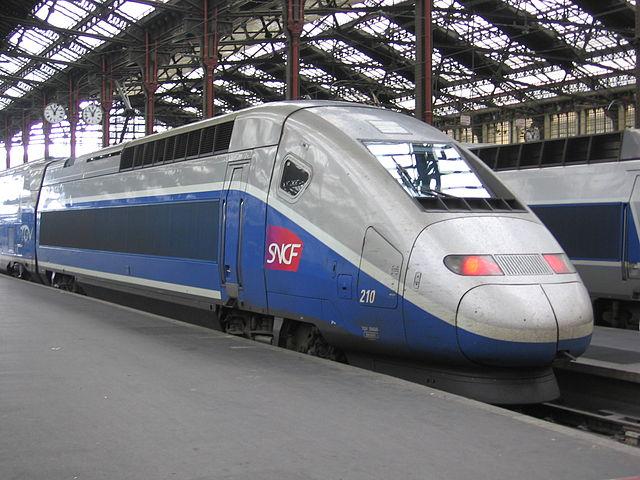 Поезд TGV из Парижа в Лион. Изучение французского языка для начинающих.