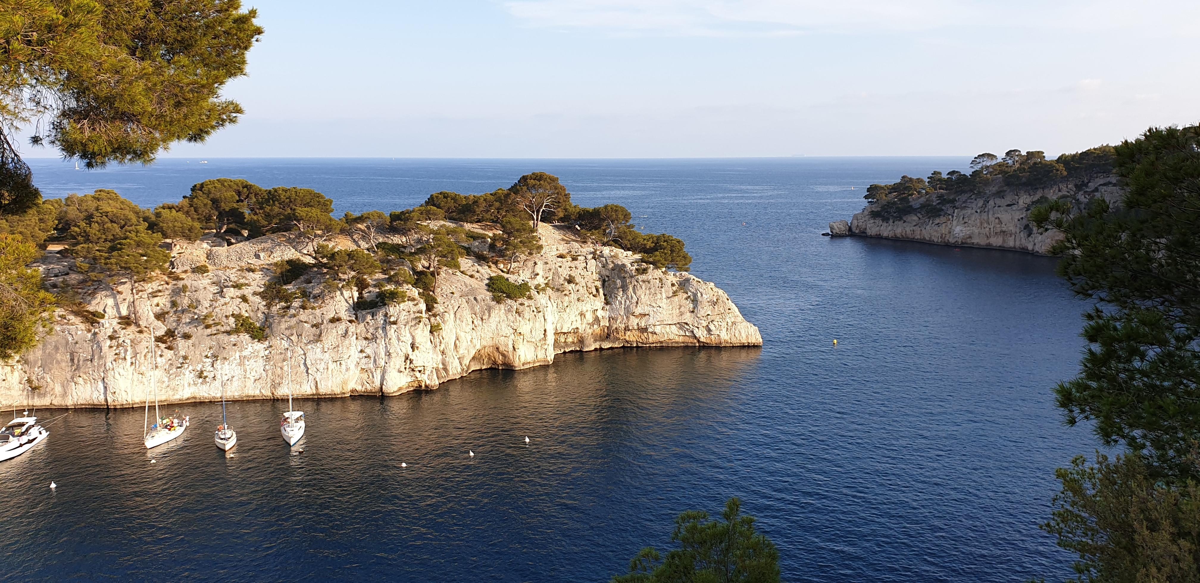 Вид на устье каланки Port-Miou с правого берега